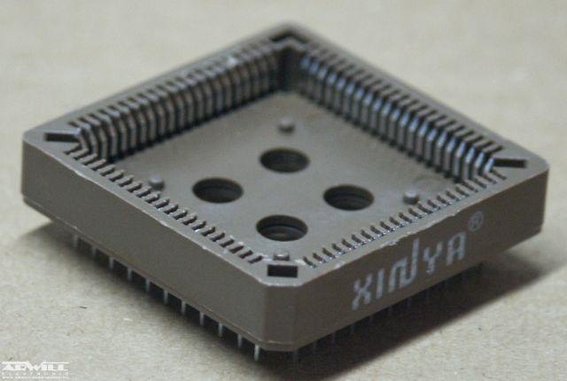 IC foglalat, PLCC84