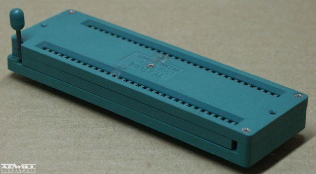 Karos IC foglalat, DIP-64