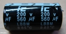 560uF, 200V, elektrolit kondenzátor